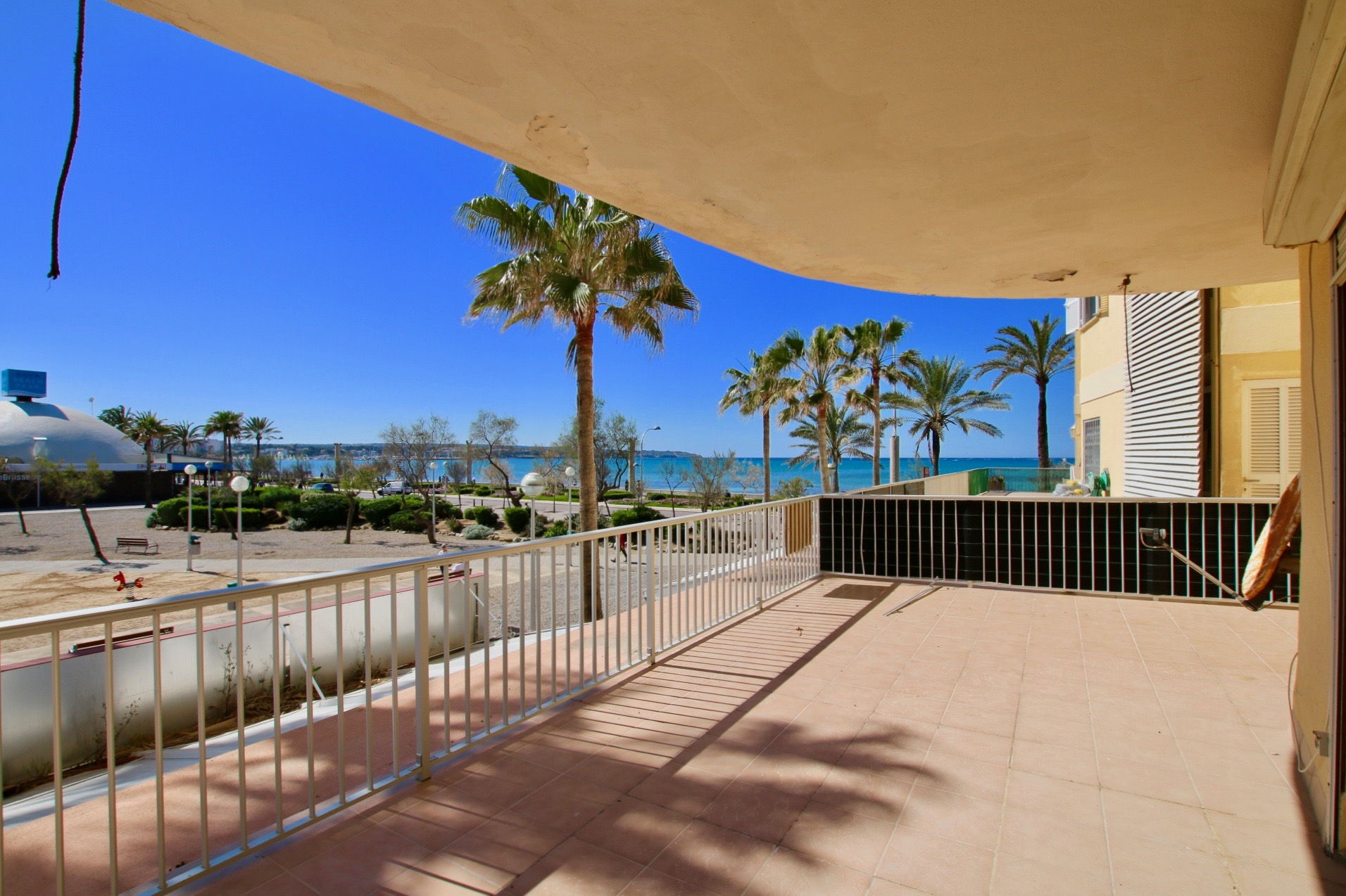 First line apartment with stunning views @ Mallorca