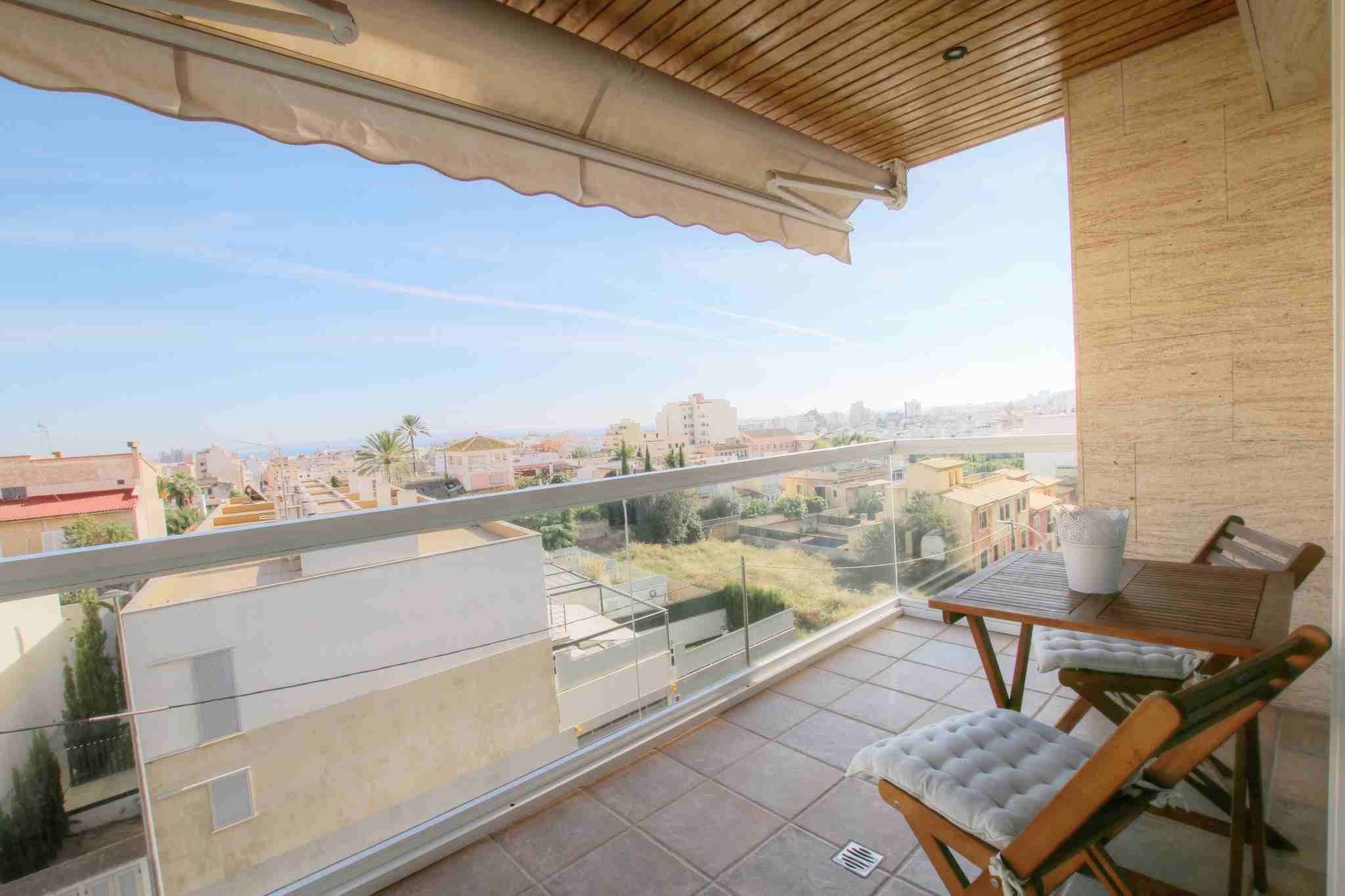 Spacious and modern apartment with amazing views to the city @ Palma de Mallorca
