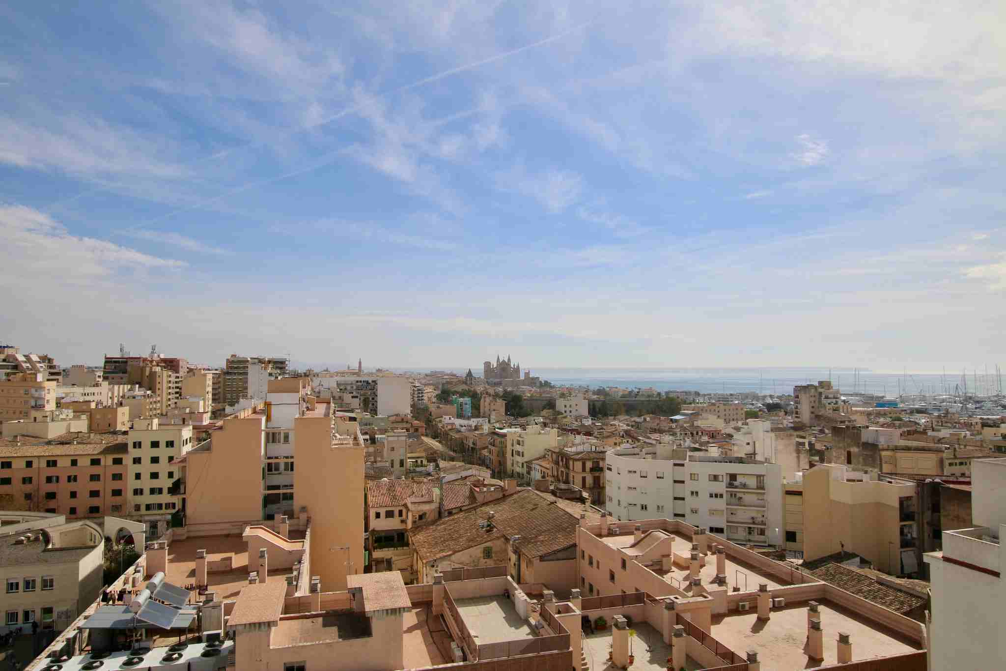Bright and cozy 3 bedroom apartment in Santa Catalina @ Palma de Mallorca