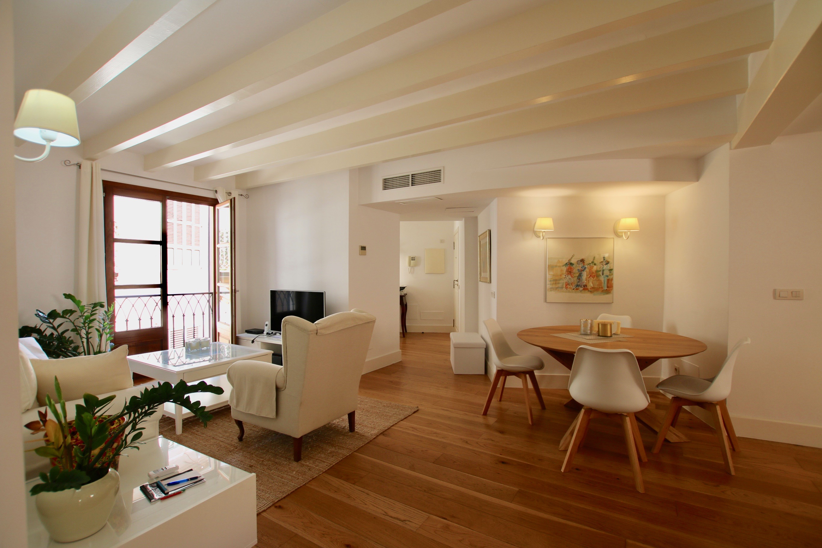 Beautiful 2 bedrooms apartment just beside the Cathedral of Palma @ Mallorca