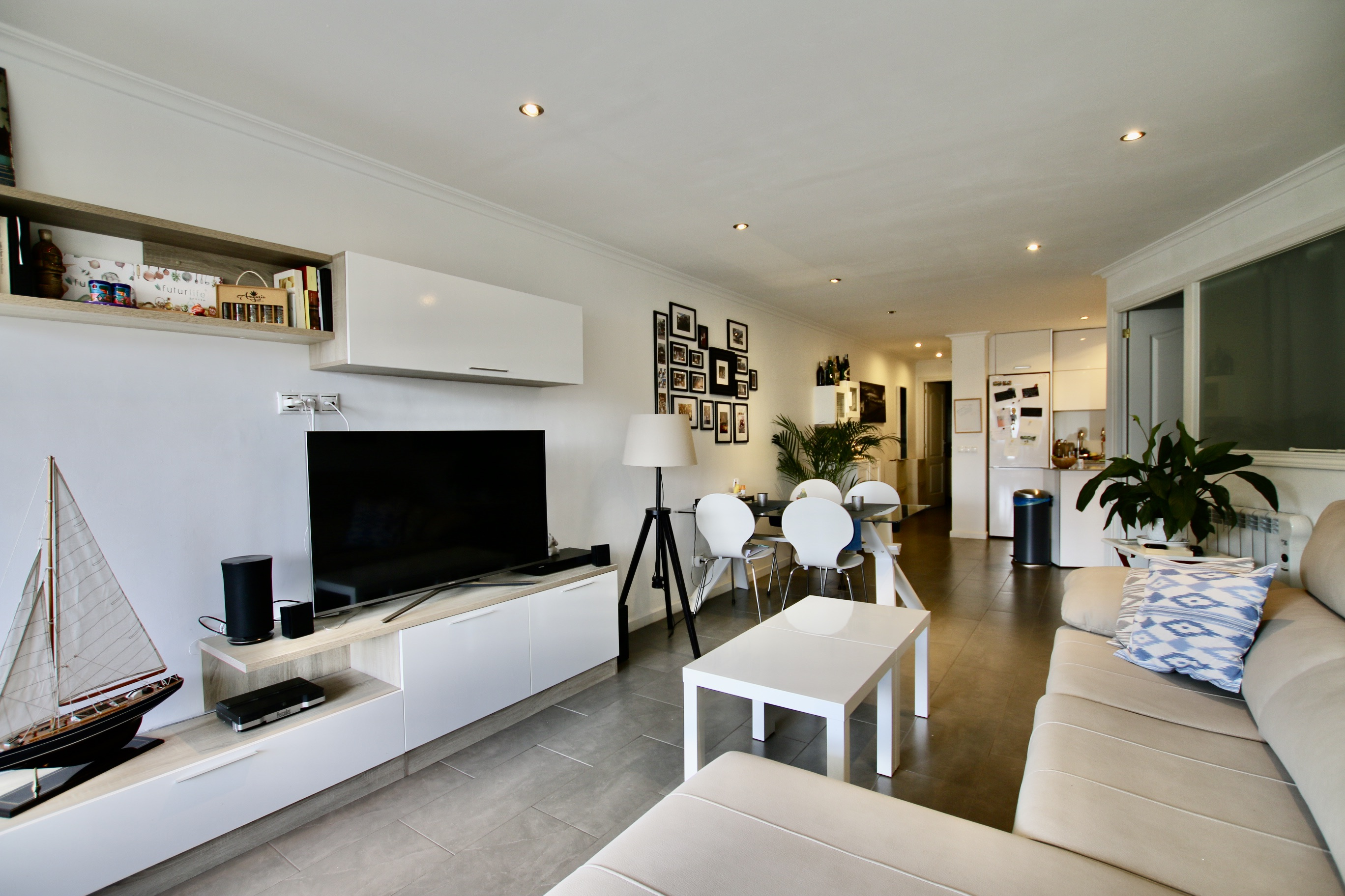 Renovated and furnished 2 beds apartment in the Paseo Maritimo of Palma @ Mallorca