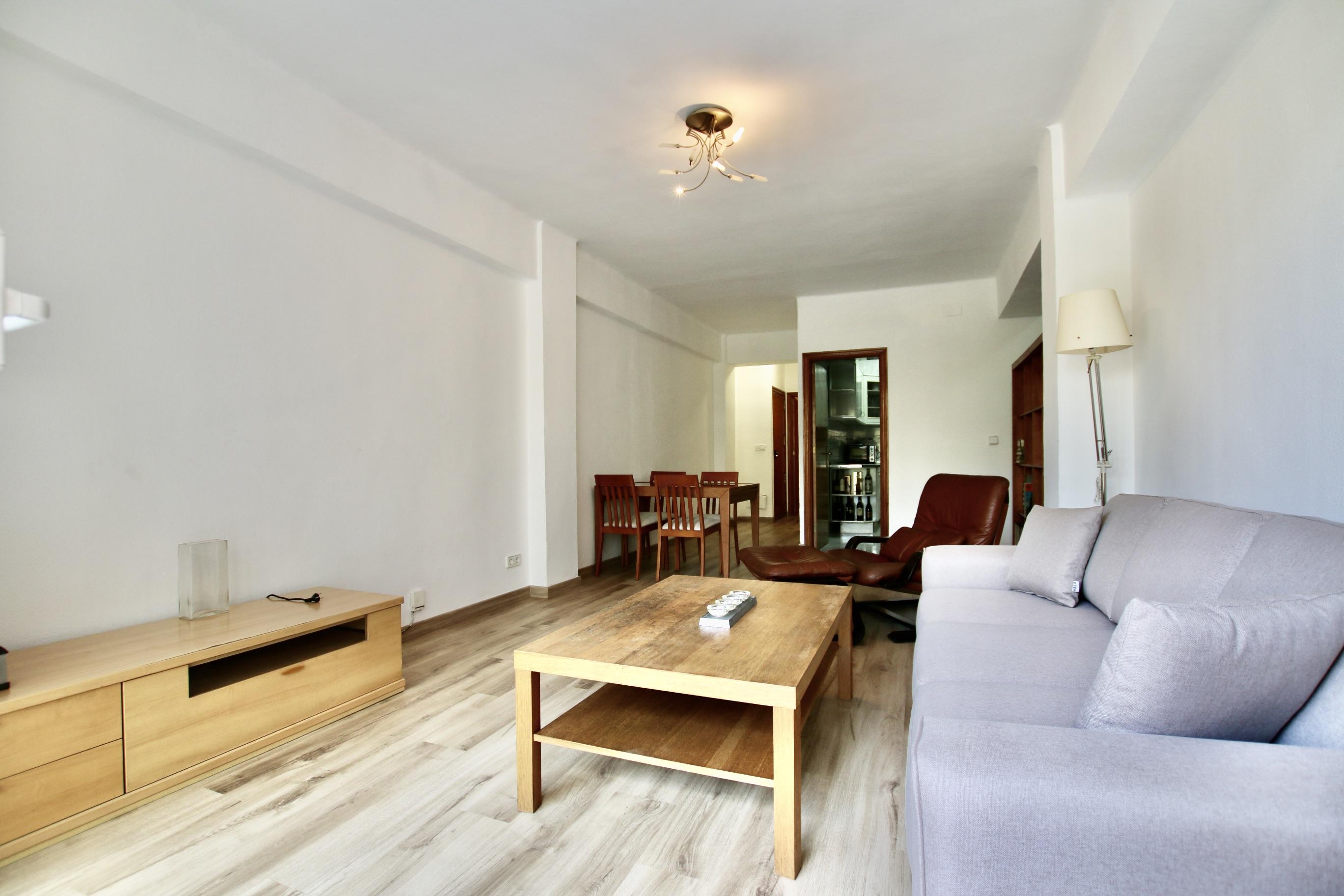 Nice 3 bedroom apartment in the Escorxador area @ Palma de Mallorca