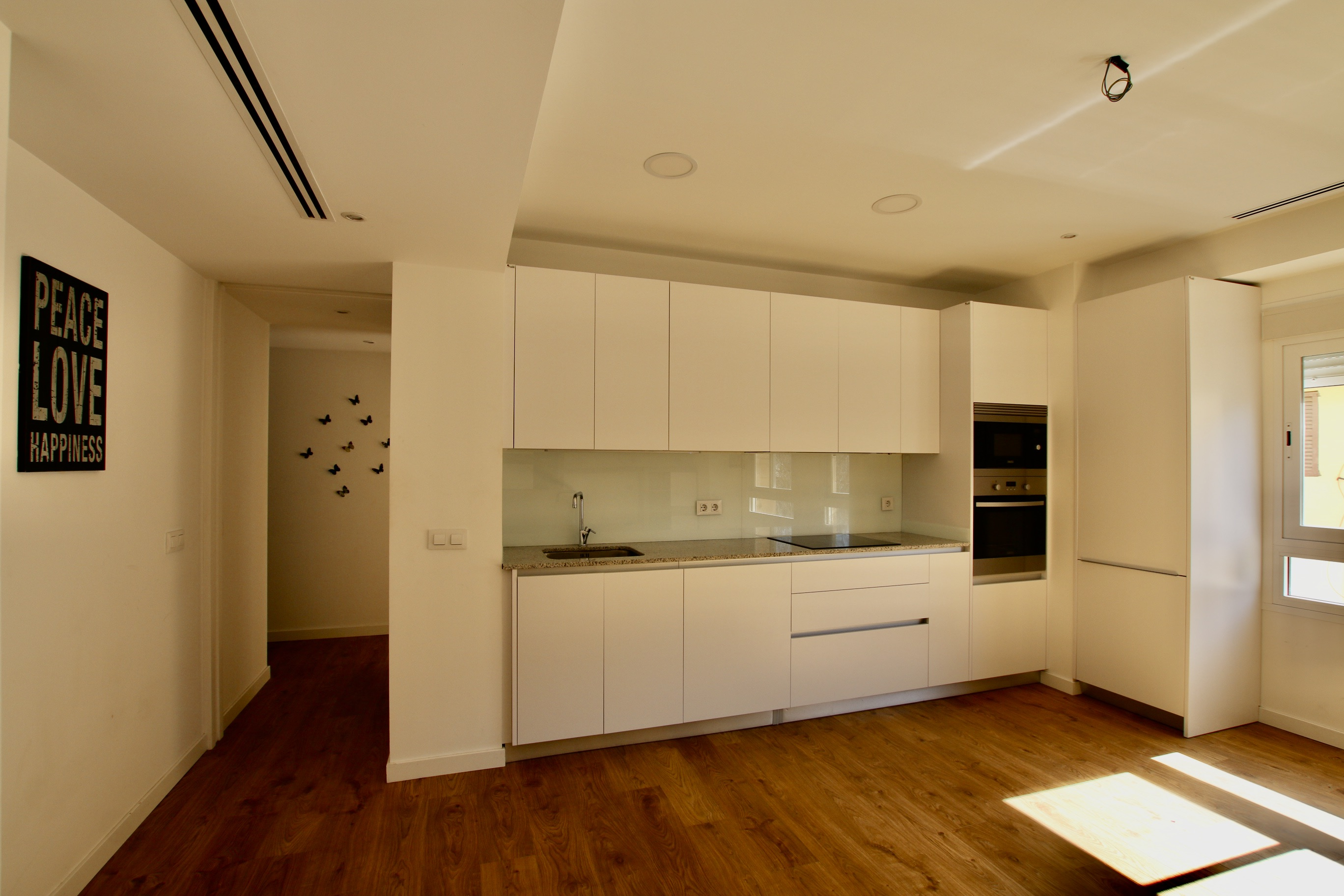 Renovated 3 beds 2 baths apartment in the famous Rambla of Palma @ Mallorca