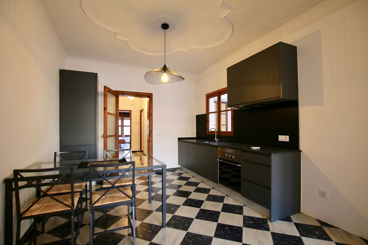 3 beds/ 3 baths recently renovated, few meters from Paseo Mallorca in Palma @ Mallorca