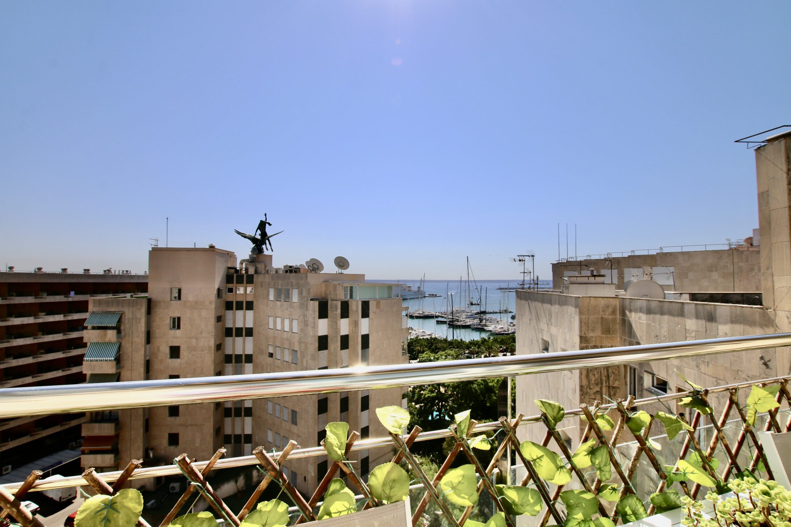Duplex penthouse 3 beds/2 baths few steps from the Paseo Maritimo of Palma @ Mallorca