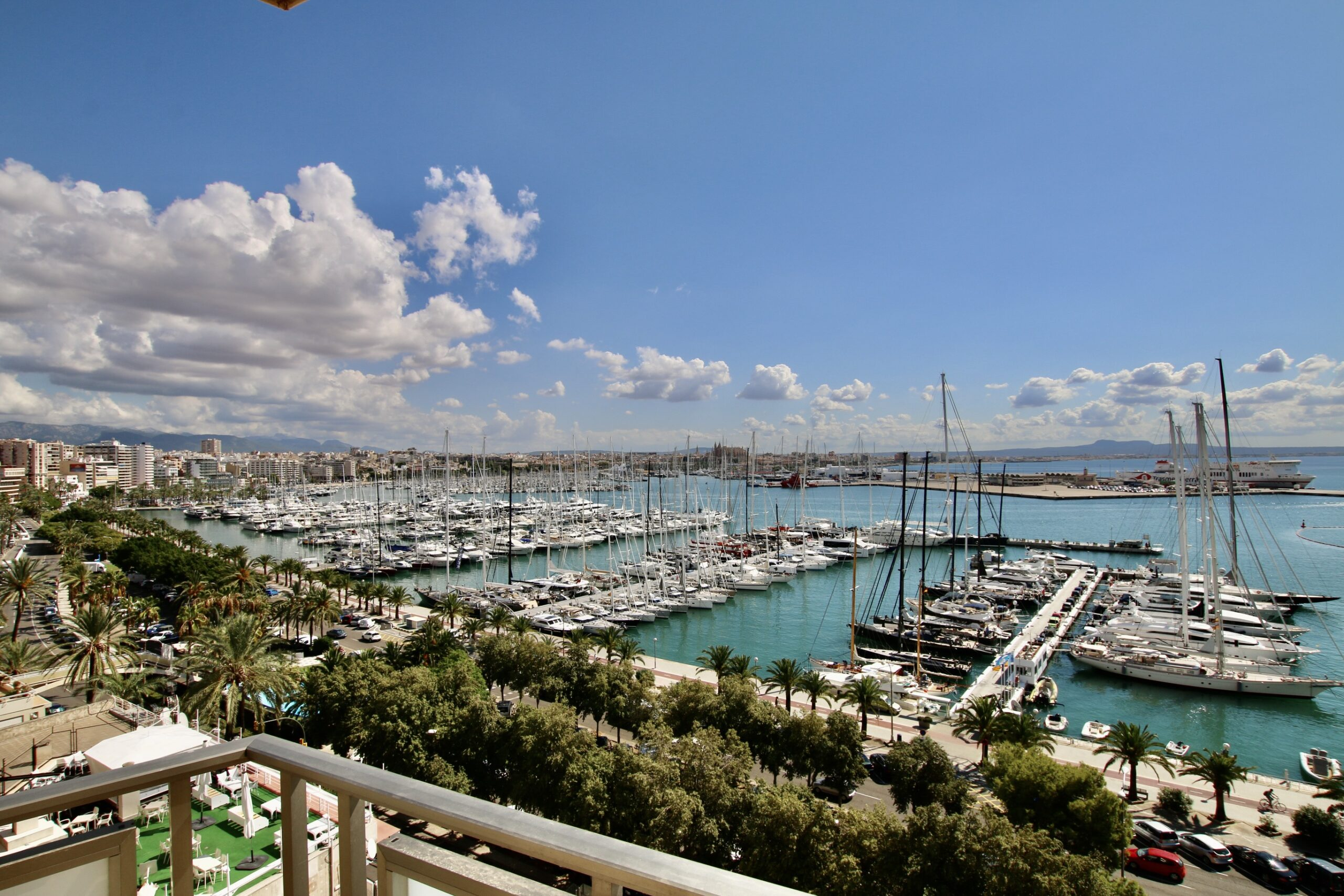 3 beds / 2 baths apartment with unbeatable views of the bay of Palma @ Mallorca
