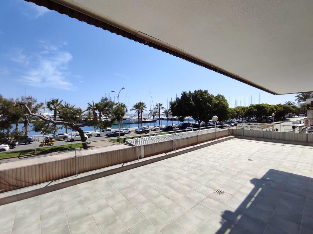 Renovated 2 bedrooms and 1 bathroom apartment on Paseo Maritimo area @Palma