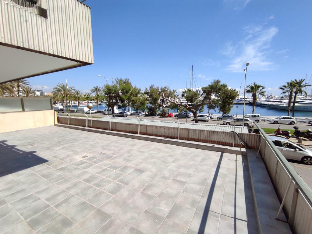 Renovated 2 bedrooms and 1 bathroom apartment on Paseo Maritimo @Palma