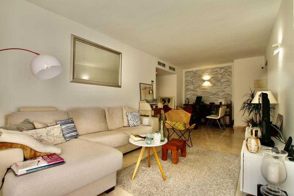 Amazing apartment with 1 bedroom and 1 full bathroom on Paseo Maritimo @ Palma