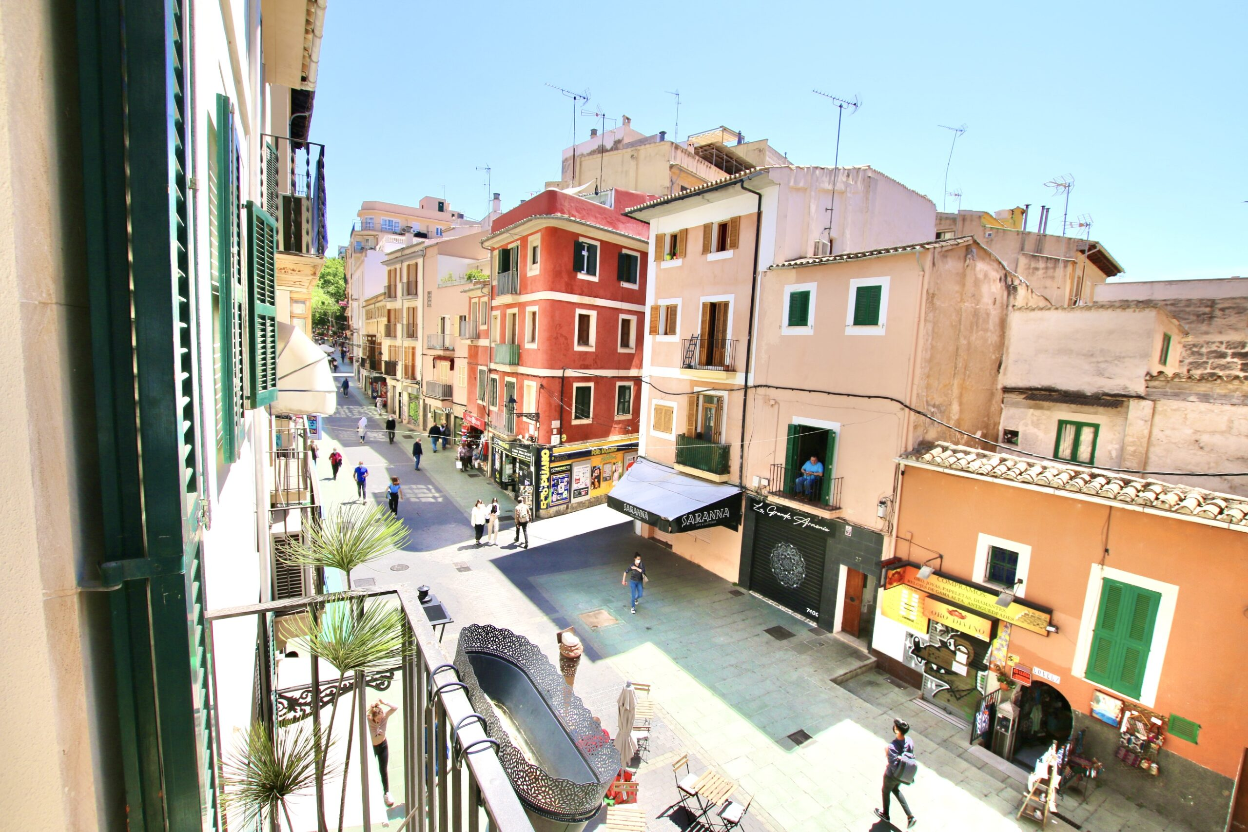 Exclusive and renovated 3 bedrooms apartment in the heart of the old town @ Palma