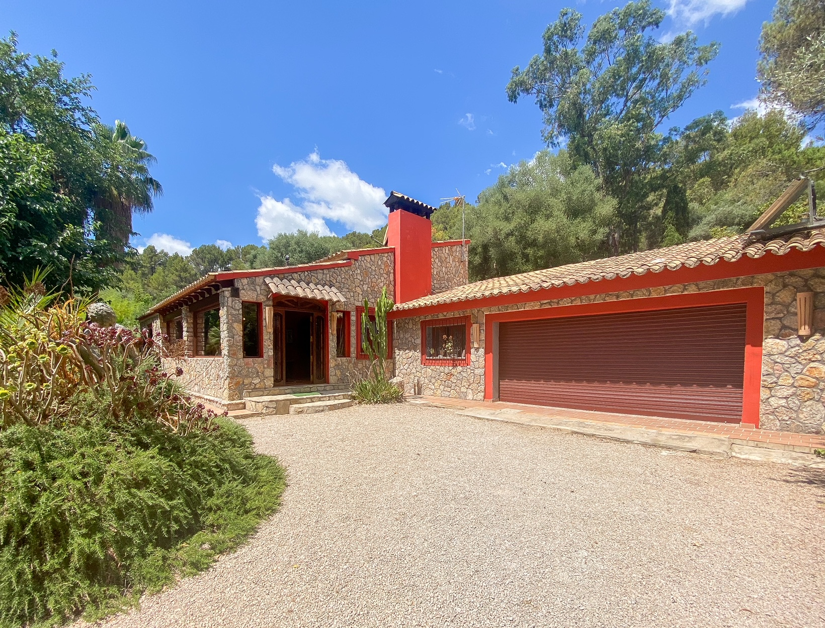 Magnificent house with fantastic gardens and pool in Puigpunyent @ Mallorca